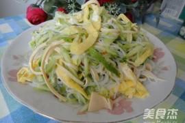 凉拌三丝的家常做法大全(黄瓜丝、干豆腐丝、蛋皮丝)